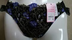 ☆エメフィール☆TバックショーツL新品タグ付☆ブラック×ブルー花刺繍☆定価900円