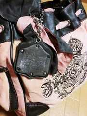 【送料込み】ジューシークチュールロゴ刺繍ボストントートバッグ
