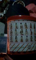 転売するぜAKB48メンバーのお菓子の缶