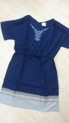 新品タグつき*胸元刺繍&バイカラー半袖ワンピース Lサイズ ネイビー