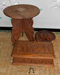 木材美装飾3本足折りたたみ台座、円形壁掛け鍵付き木箱セット
