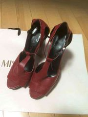 美品  赤のサンダル  Mサイズ
