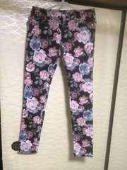 新品 花柄パンツ