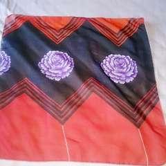 黒&赤色&紫花柄スカーフ