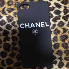 CHANEL�V���l����iPhone�P�[�X��m�x�����A