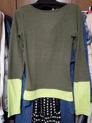 スパイラルガールカーキ黄緑長袖Tシャツ背中ゴールドチェーンM