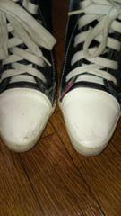 靴のようなパンプスです