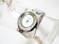 CHANELノべルティ非売品の綺麗なシェル盤面腕時計
