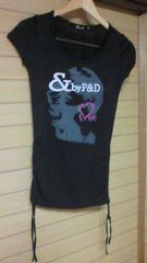 ピンダイ&byP&Dストーン付きロゴ入りTシャツすそシャーリングデザイン