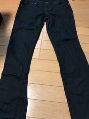 黒パンツ70