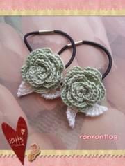 ハンドメイド/手編み♪レース編みお花のヘアゴム2個セット 566