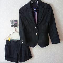 新品未使用♪女の子用ジュニアフォーマルスーツ♪パンツスーツ♪卒業式♪美品150