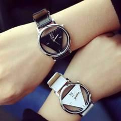 新品☆ペア腕時計 トライアングルウォッチ 白×黒A129