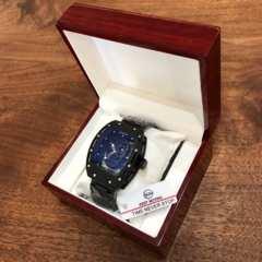 高級感のある木製箱付き♪3Dスカルデザイン メンズ腕時計★ブラック