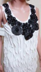 新品…胸元に黒ビジュ盛り�A純白わんぴドレス☆3点で即落☆