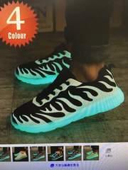 スニーカーシューズ  光る靴
