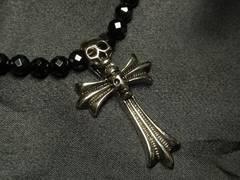 お洒落に決まる!!スカルクロス×ブラックダイヤカットオニキス数珠ネックレス