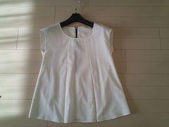 白 シャツ ブラウス 春 フレンチ袖 美品 プリーツ 38 訳有り 9