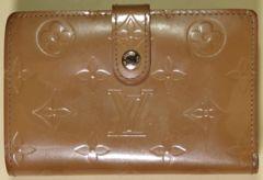 LOUIS VUITTON(ルイ・ヴィトン)がま口財布,ヴェルニ,ベージュ