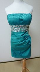 ゴージャスでラインがキレイなショートドレス