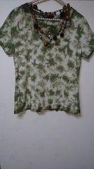 大きいサイズ☆新品タグ☆タイダイ柄ネックレス付Tシャツ♪LL*カーキ