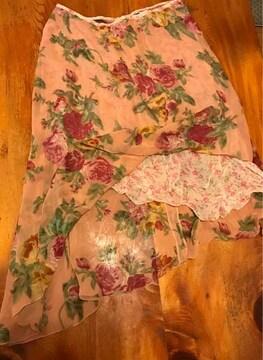 重ね穿き斜めに透けとる長いスカート サイズL