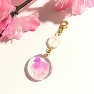 ★桜と花びらの丸型レジンチャーム・さくら・クリア・ピンク・桜