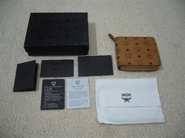 MCM/ラウンドジップ二つ折りコンパクトロゴ柄財布