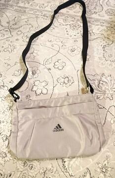 adidas ショルダーバッグ アディダス ポシェット ベージュ 美品