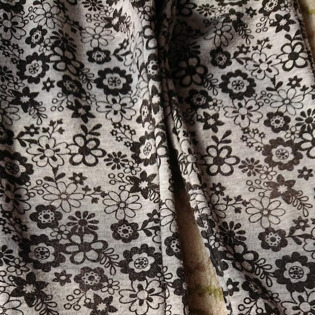 ムージョン購入☆タグ違いの花柄の裏起毛パンツ☆size110 < ブランドの