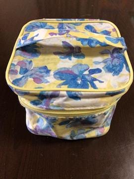 nuts×LIPSERVICEキューブ型花柄バニティポーチ