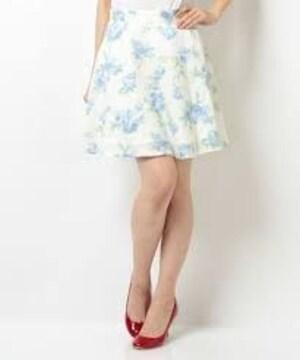 ■CECIL McBEE./セシルマクビーフェミニン★花柄(ブルー系)*フレアスカートホワイト