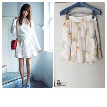2016年購入リランドチュール カラフルぼかしフラワースカート