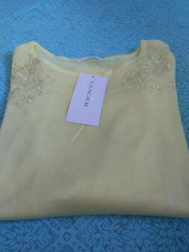 新品 レディースM サイズ GLA CIE R イエロー刺繍入りプルオーバー