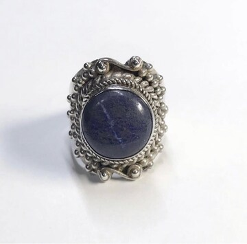ラピスラズリ リング 宝石言葉「永遠の誓い、幸運、真実、克服」