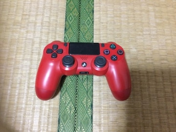 PS4コントローラー赤