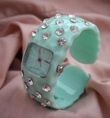 プラスティックラインストーンバングル腕時計GR