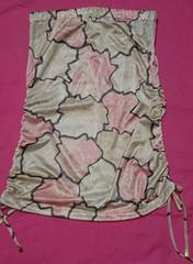 武藤静香Radyピンクベージュローズタンクトップをベアトップスカートに花柄