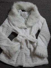襟&袖ファー付きホワイトリボンビジューコートジャケット白