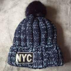 ぼんぼん付 ざっくり編みニット帽
