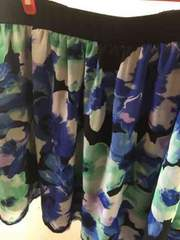 新品タグ付きブルー系花柄シフォンスカート4L