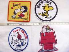 SNOOPY/70年代風/刺繍ワッペン4点セット/裏のり付き/