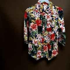 ○☆メンズアロハシャツMサイズ紺色7分丈袖綿100%