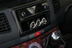 3連レーシングシガーソケットカーボン調USBタイプ