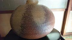 信楽焼…黄褐色釉数珠玉壺…窯…印