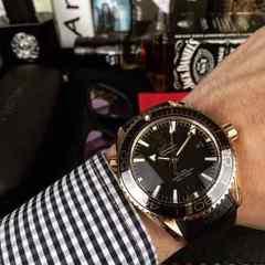 オメガ新製品  ノベルティ時計