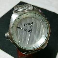 送料無料 電池交換済み NIXON ニクソン メンズ腕時計 男性用