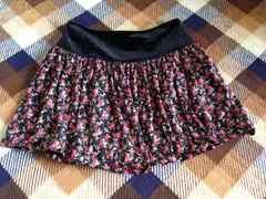 ベロア黒花柄ミニスカート