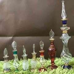 エジプトのバザールで15年前に購入した職人の手づくり香水瓶