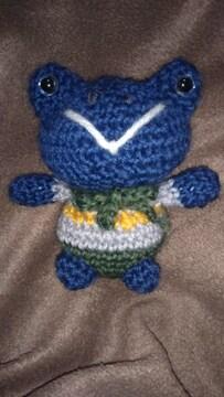 手編みのあみぐるみ、青カエル
